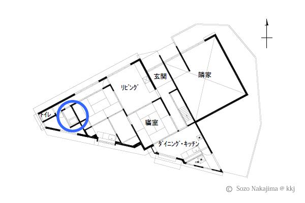 浴室(青い丸の位置)は建物南西の一畳タイプの在来浴室。